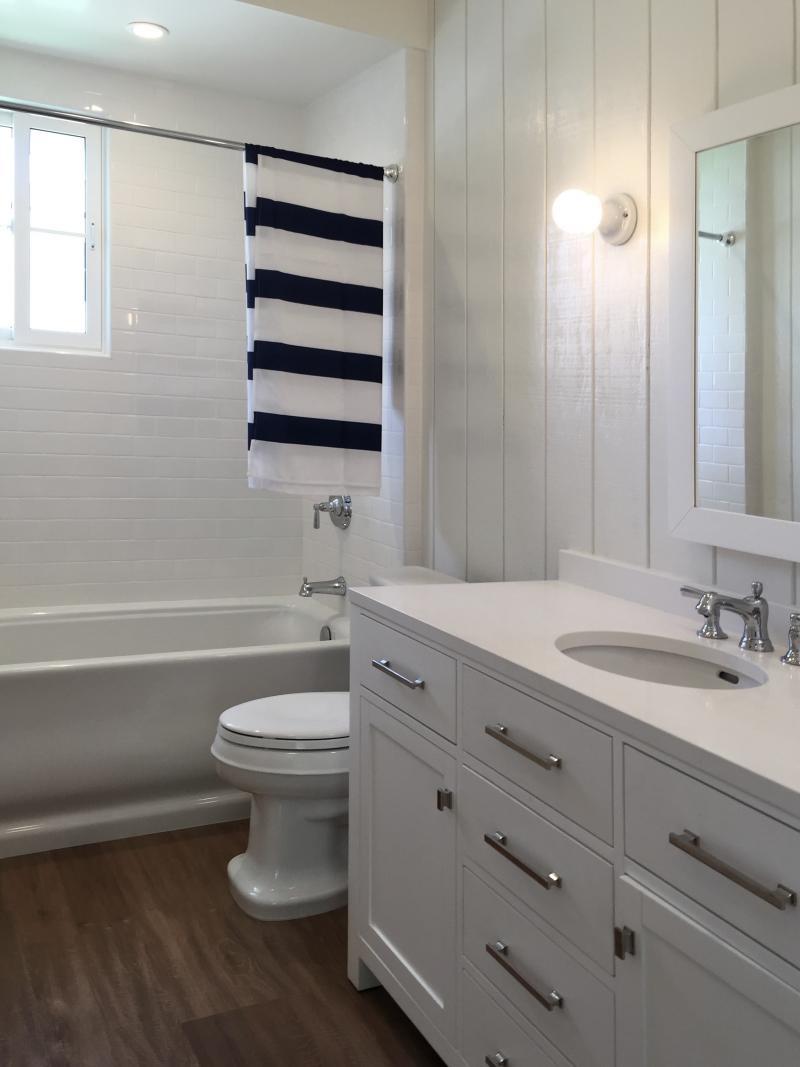 Bathroom Light Fixtures That Won't Rust bathroom light fixtures that don t rust - bathroom design concept